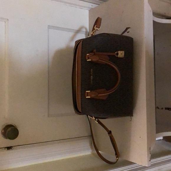 Michael Kors Handbags - Micheal Kors purse